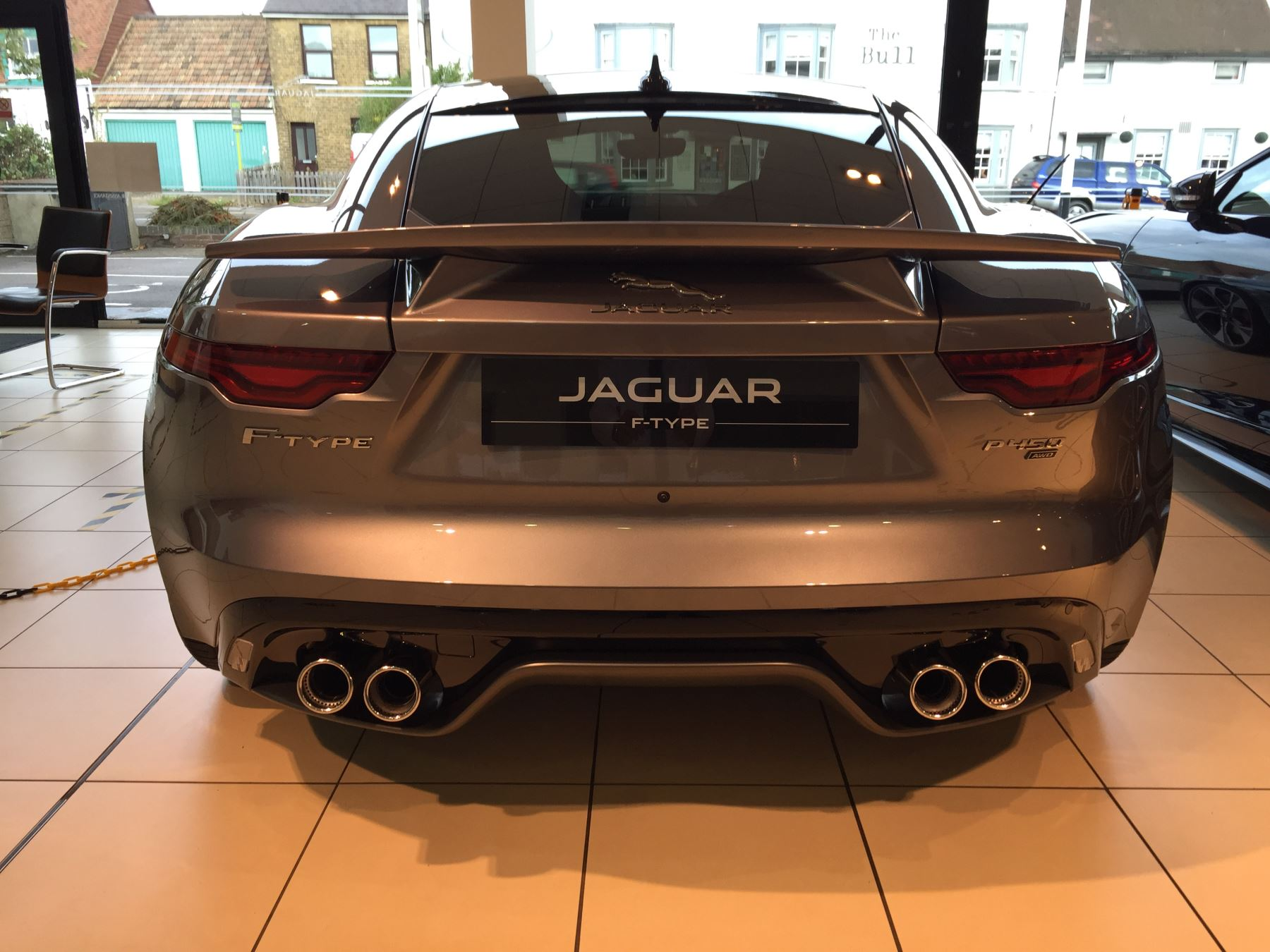 Jaguar F-TYPE 5.0 P450 Supercharged V8 First Edition SPECIAL EDITIONS image 3